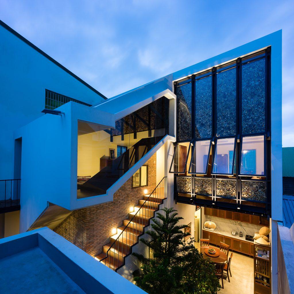 mặt tiền nhà lô phố 2 tầng 150 m2.